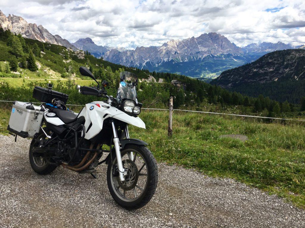 BMW F650GS in den Alpen