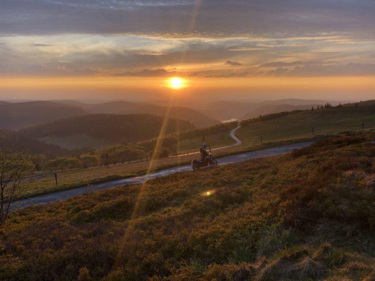 Vogesen Motorrad Sonnenuntergang